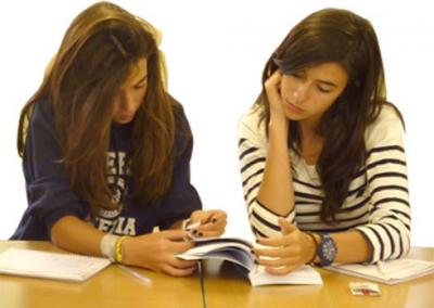 Group conversation English lessons online