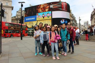 Kids sightseeing in London at XUK Summer Camp