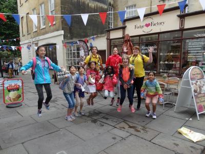 Girls shopping in Cambridge