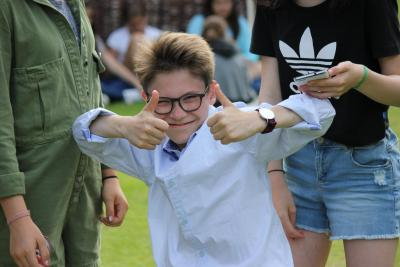 thumbs up camper at uk english summer camp for kids and teenagers in england