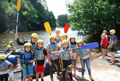 kids raft building at uk english activity camp