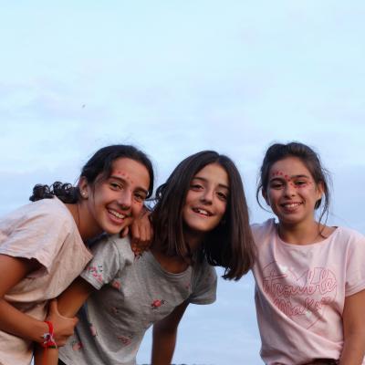 summer camp best friends uk kids