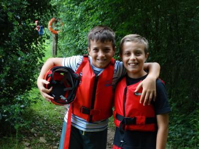 raft building activity british summer camp uk near london