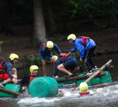 teenage boys raft building uk summer camp